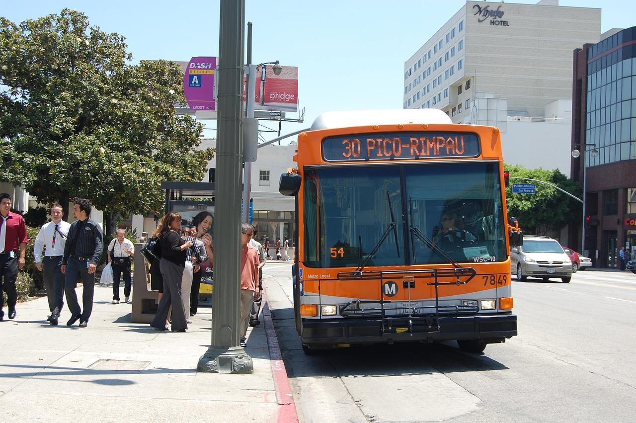 海外の人がオーマイゴットと心配-不安な日本-アメリカ-バス-バリアフリー-ロサンゼルス